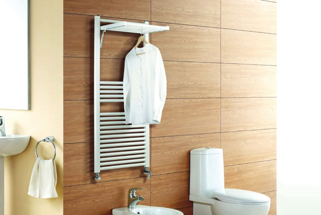 Termosifone deltacalor dinamic bianco 120x50 for Accessori per scaldasalviette